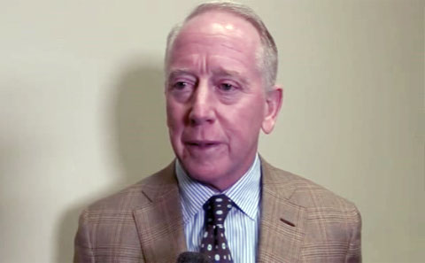 archie-manning-speaking-at-knoxville-sports-hall-of-fame-2015